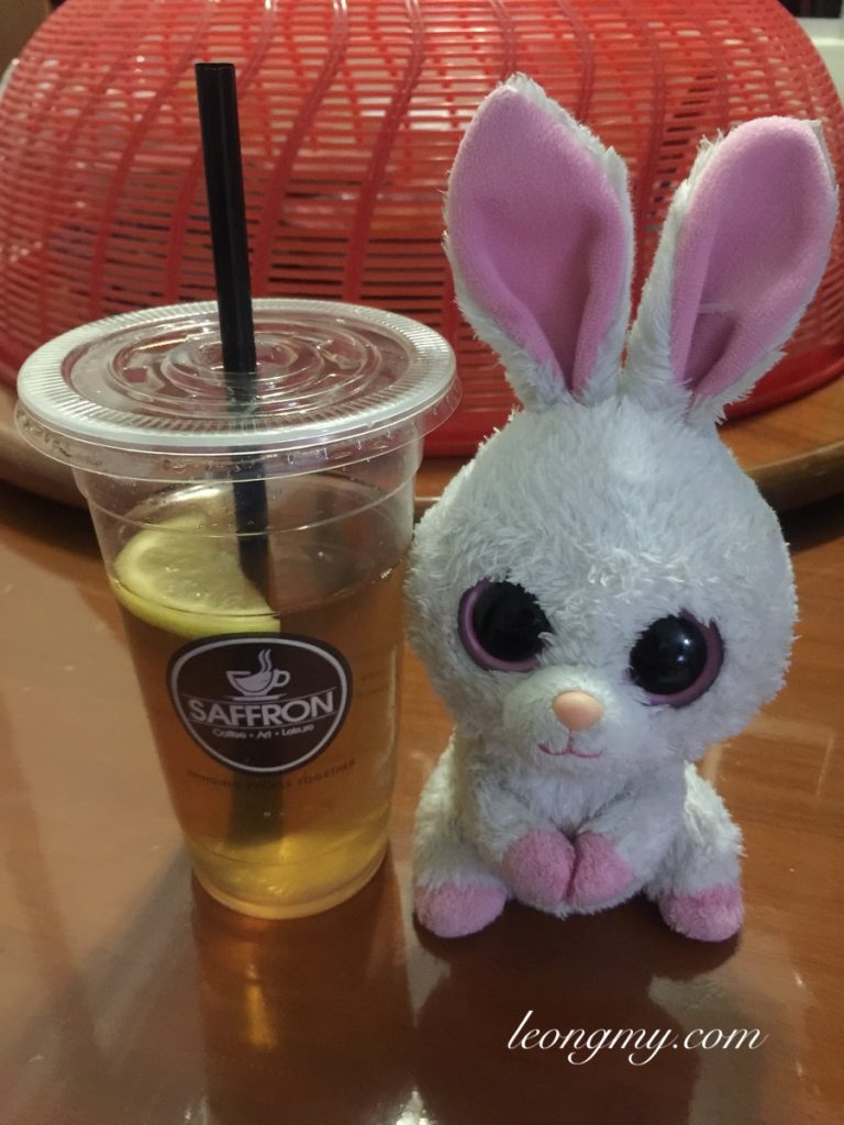 Ice lemon tea Carrots toy rabbit